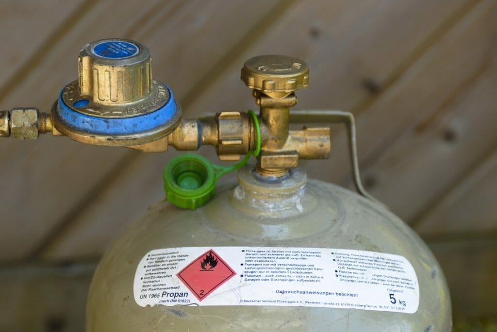 11kg Gasflasche angeschlossen
